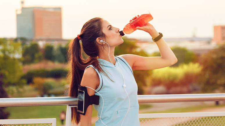 woman-drinking-sports-drink-01