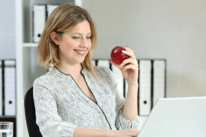 7 Easy Tips to Avoid Weight Gain at Work