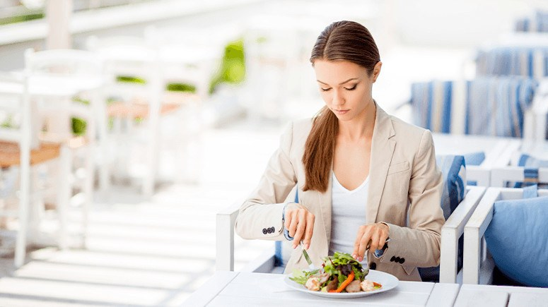 lose-weight-without-dieting-woman-lunch-8