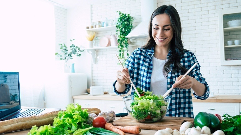 woman-preparing-salad-1