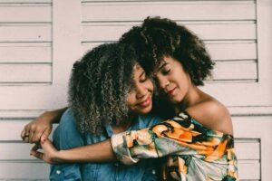 4 Ways to Be There for a Friend During Their Divorce
