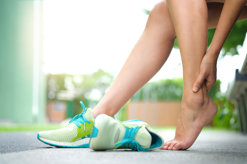 8 Natural Remedies to Treat Your Swollen Feet 1