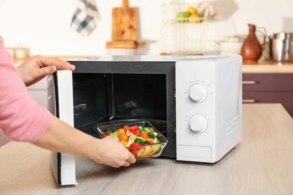 10 Foods That Become Toxic When Reheated in a Microwave 1