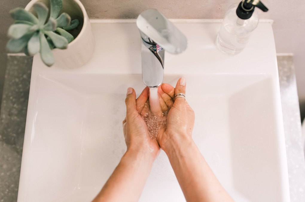 10 Unexpected Times You Should NOT Use Hand Sanitizer 1